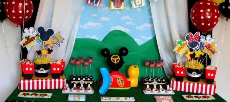 Decoración de la Casa club de Mickey para cumpleaños http://tutusparafiestas.com/decoracion-casa-club-mickey-cumpleanos/ #cumpleañosdemickey #CumpleañosdeMickeyMouse #cumpleañosdemiki #decoraciondecumpleañosdemickey #decoraciondecumpleañosdemickeymouse #decoraciondefiestademickeymouse #decoraciondefiestademiki #fiestadecumpleañosdemickey #fiestadecumpleañosdemickeymouse #fiestadelacasaclubdemickey #fiestadelacasaclubdemickeymouse #fiestadelacasademickey #fiestadelacasademickeymouse…
