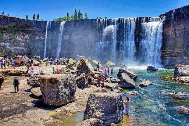 14 Unknown But Worth To Be Seen Places - The Laja Falls, Chile
