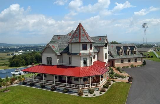 Need inspiration for your Valentine's #getaway? Sleep like royalty in one of Lancaster County's beautifully restored country inns or historic bed & breakfasts, where small-town charm makes you feel right at home.