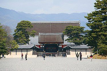 Kyoto Imperial Palace•  The Imperial Family's residence until 1868.