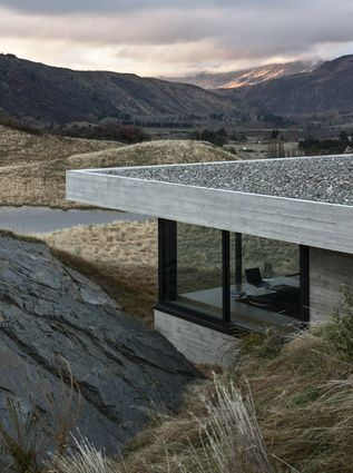 Even though the master wing is sunken deeper into the ground, it retains a visual connection to the outdoors.