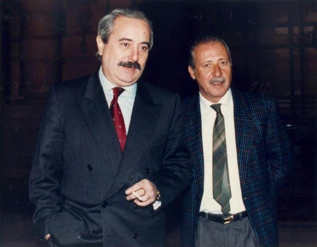 1992 - in due attentati, uccisi in Sicilia i giudici Giovanni Falcone e Paolo Borsellino (Ansa)