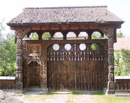 Gates in Maramures