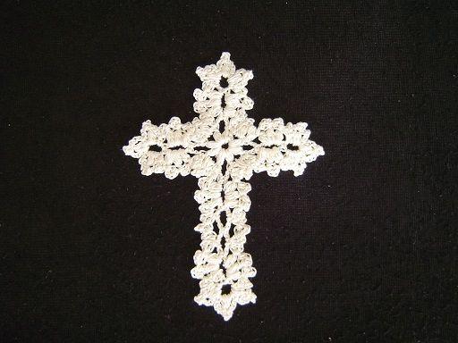 十字架のモチーフの作り方|編み物|編み物・手芸・ソーイング|アトリエ|手芸レシピ16,000件!みんなで作る手芸やハンドメイド作品、雑貨の作り方ポータル