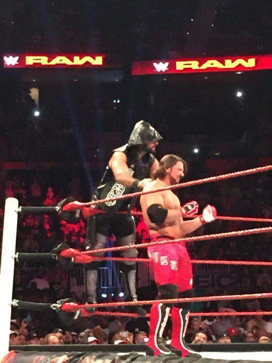 Seth Rollins wears AJ Styles' jacket during RAW dark match - Wrestling Forum : WWE, TNA, Indy Wrestling, Lucha Underground, Women of Wrestling Forums