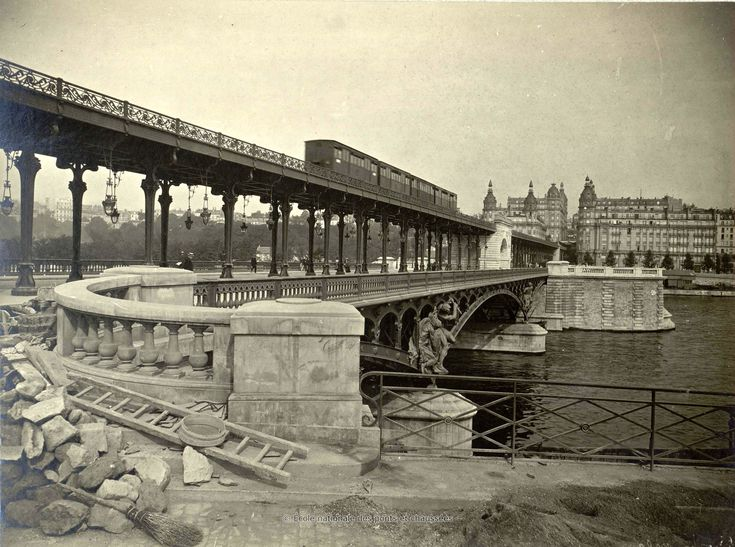 Bibliothèque numérique patrimoniale des ponts et chaussées | Union Photographique Française. Viaduc de Passy. Ensemble des ouvrages supérieurs. 1903