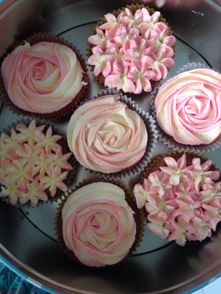 Pink and cream hydrangea and rose cupcakes