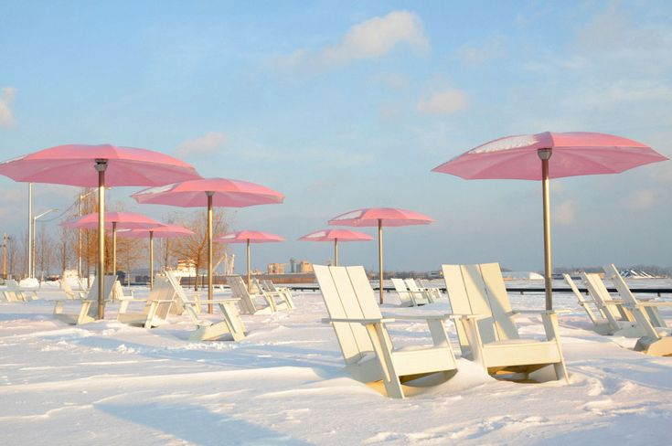 theseriouschild: guys this is in Toronto it's called Sugar Beach