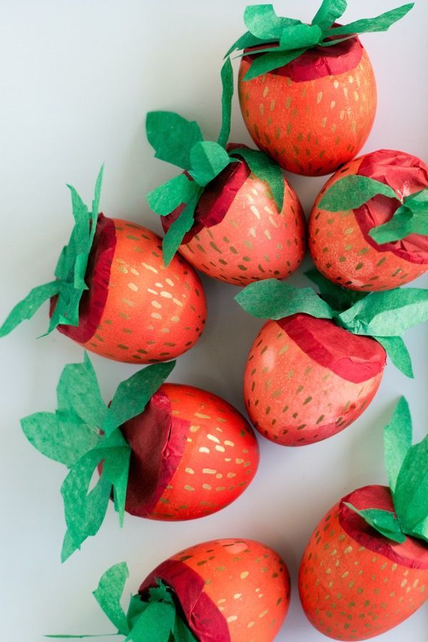 Strawberry Cascarones DIY | Oh Happy Day! | Bloglovin'