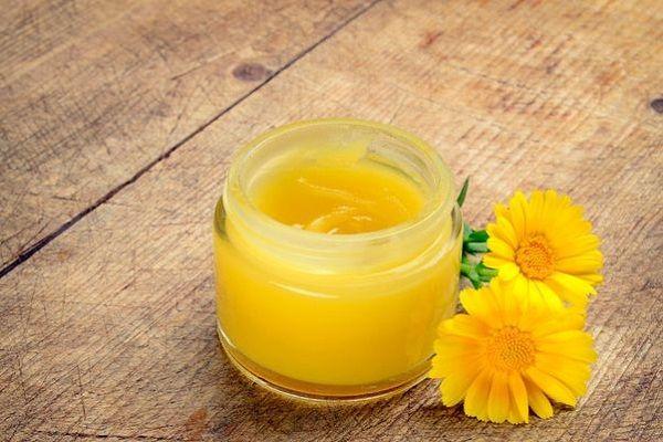 Crema de galbenele – Beneficii si reteta simpla pentru a o face acasa