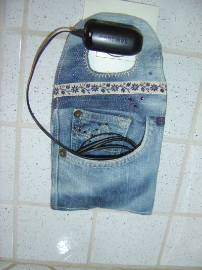Porte téléphone portable / smartphone en charge - réutilisation poche jean - recyclage - idée cadeau noel