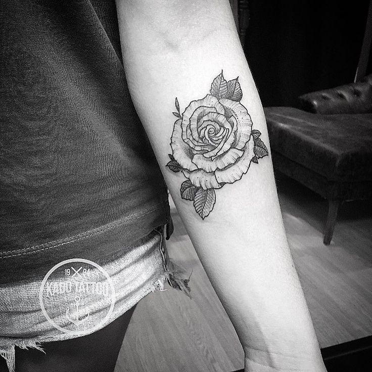 🌹 :) . . Contato para orçamento e agendamento no tel 27 999805879 com bruno de segunda a sexta de 8 as 18 hs ! NAO RESPONDEMOS DIRECT!. . #kadutattoo #tattoo #tattoos #tattoo2me #tatuagem #tatuagens #delicate #rose #rosa #rosetattoo #fineline