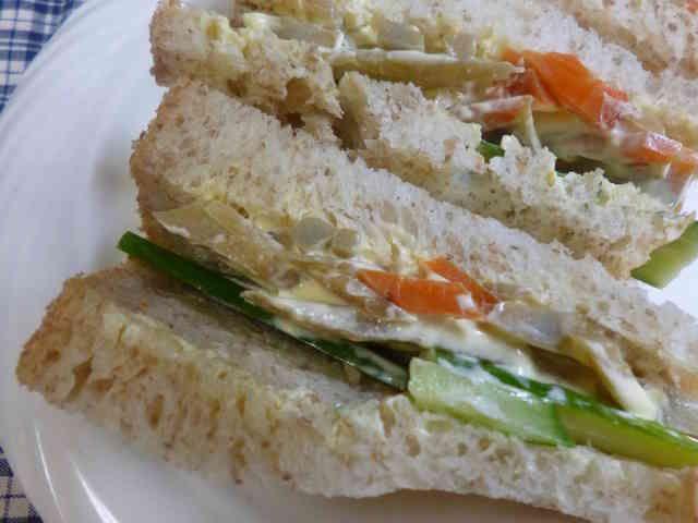 リメイク・ゴボウのきんぴらのサンドイッチの画像