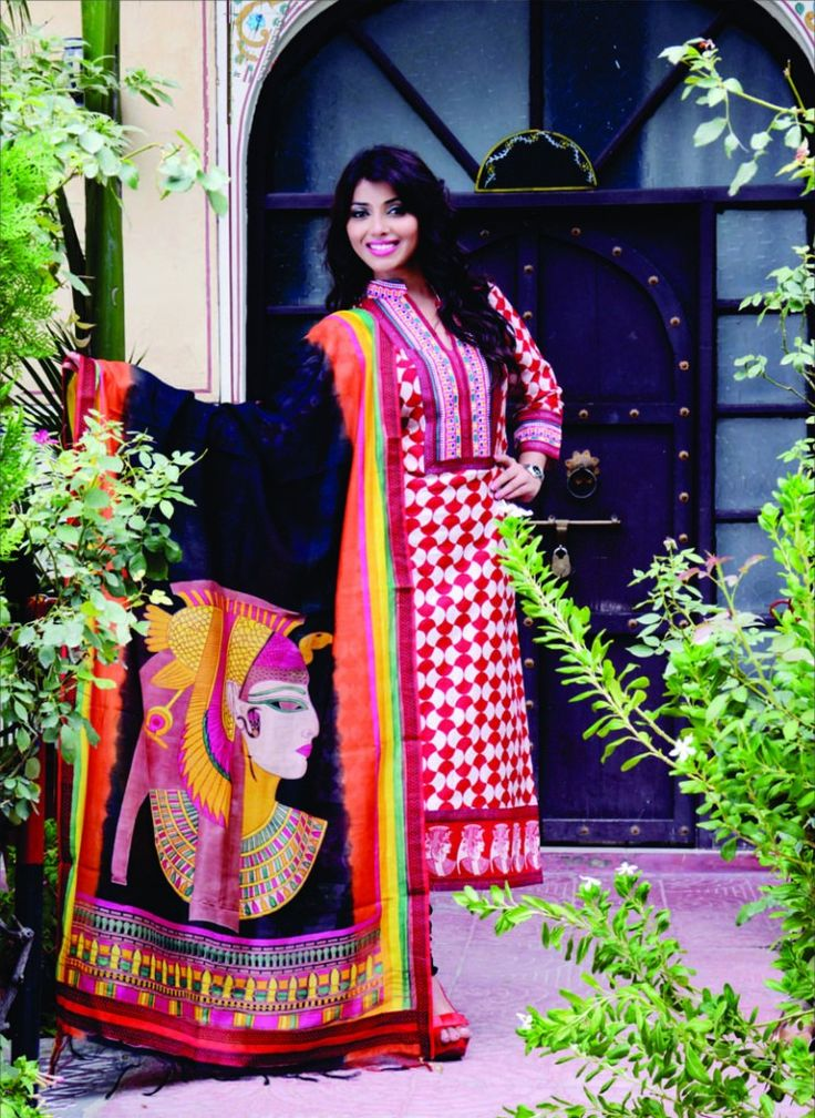 Traditional hand-crafted salwar kameez for festive season 2014