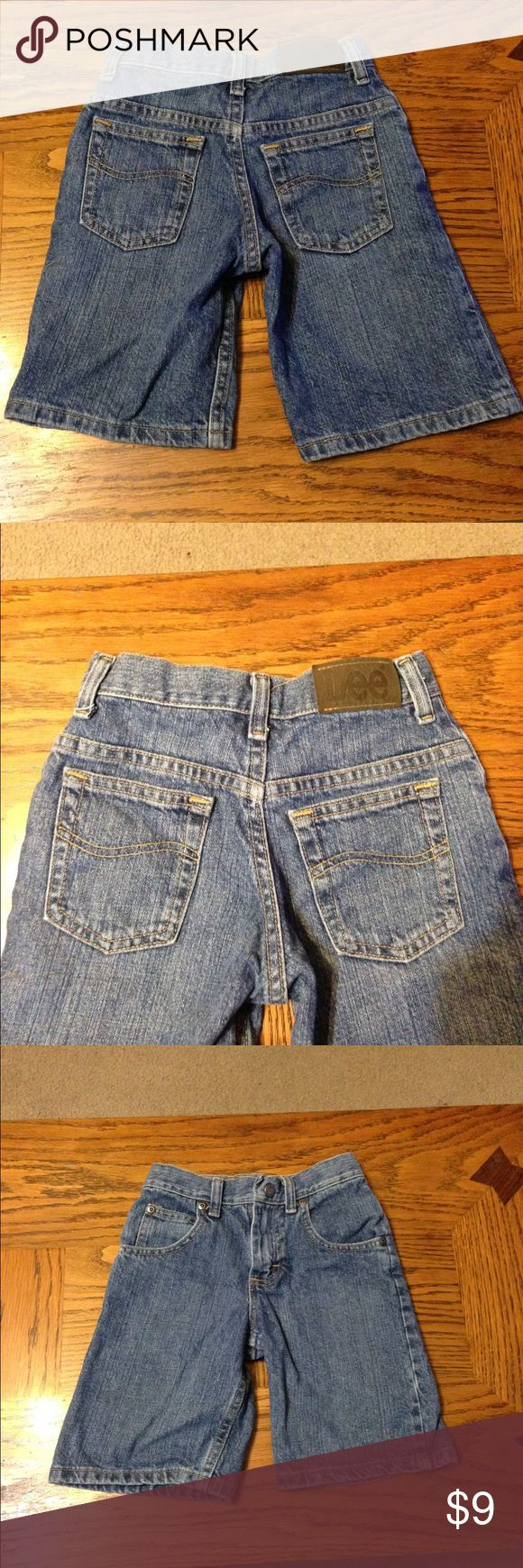 Lee Jean Shorts Size 6 EUC Lee Jean Shorts. Regular fit. Lee Bottoms Shorts
