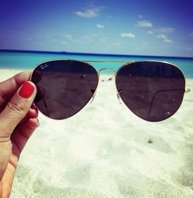 Website for discount raybans  {hello summer}