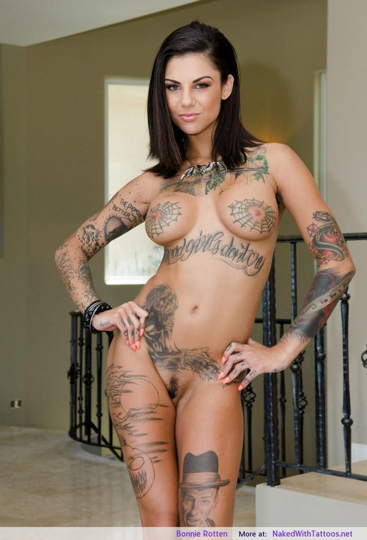 Tattoos On Nude Women 68