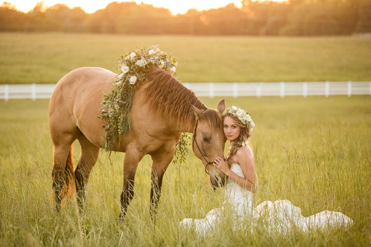 Springfield MO Wedding - Bridal Portraits - Bride with Horse