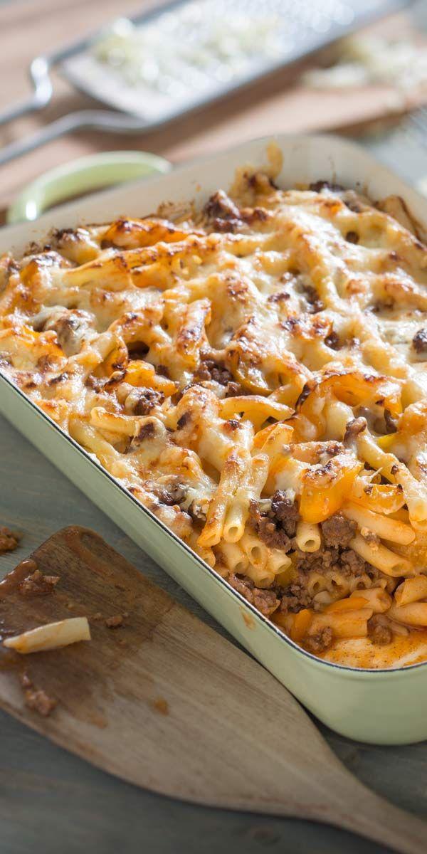 Bitte alle zu Tisch. Heute servieren wir eine Makkaroni-Lasagne, die jedem schmecken und mit Sicherheit aufgegessen wird.