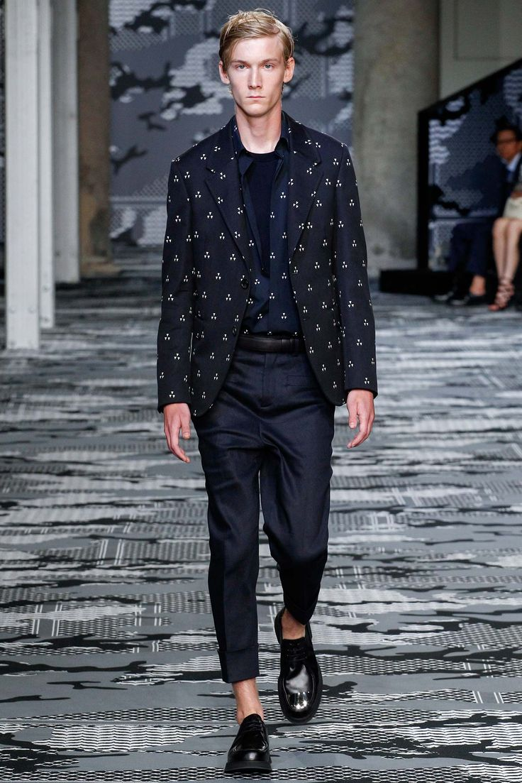 http://www.style.com/slideshows/fashion-shows/spring-2016-menswear/neil-barrett/collection/31