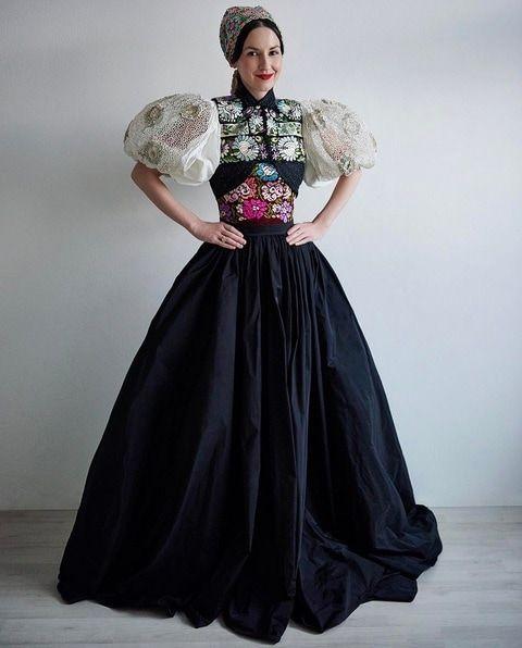 Mali by ste na TOTO odvahu?! Módna ikona Heribanová a jej TOP outfity inšpirované folklórom! | Emma.sk