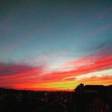 Reposting @joelgarciabh: The #sunset tonight was #amazing #evening #sunday #sky #skyline #color #gorgeous #beautiful #awesome #momlife #travel #travels #traveling #travelgram #instatravel #ocean #beach #vacation #adventure #love #nature #traveltheworld #blog #blogger #red #gold