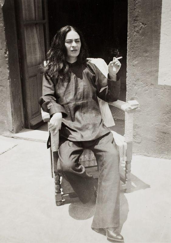 Матерщинница, бисексуалка, пьяница, но все же гениальная Фрида Кало (18+)
