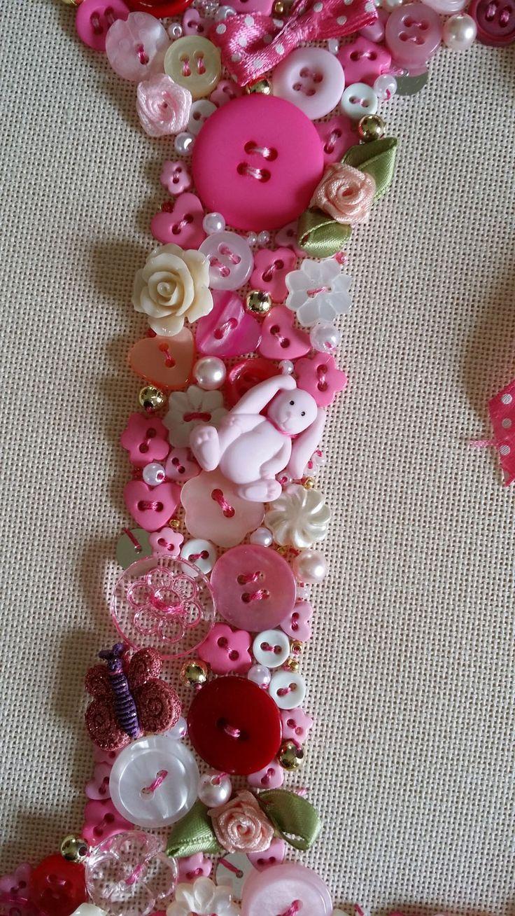 Button art coniglietto e farfalla by giuseppina ceraso https://crocettando.wordpress.com/2015/06/14/conoscete-la-button-art/