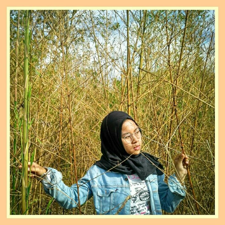 Jangan rindu rindu itu berat kamu ga akan kuat biar aku aja  . . . . . . . . . . . . . . . . . . . . . . . . . . . #rasa#rindu#single#singapore#sumedang#jomblo#jepang#amsterdam#losangeles#love#lasvegas#photoshop#photobooth#photography#hijabers#hija#thailand#travelogue#explorebandung#explore#comment#coklat#sayang#kacamata#levis