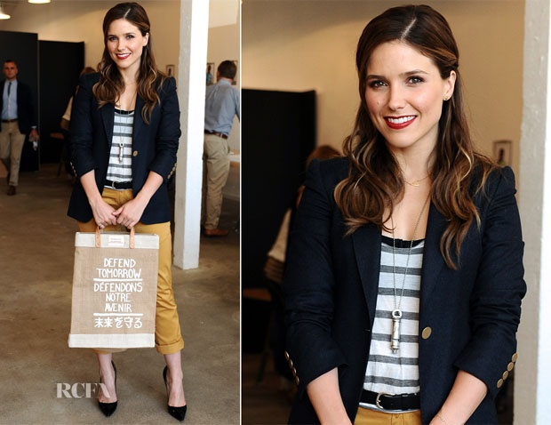 Navy and mustard preppy and red lipstick... I heart.
