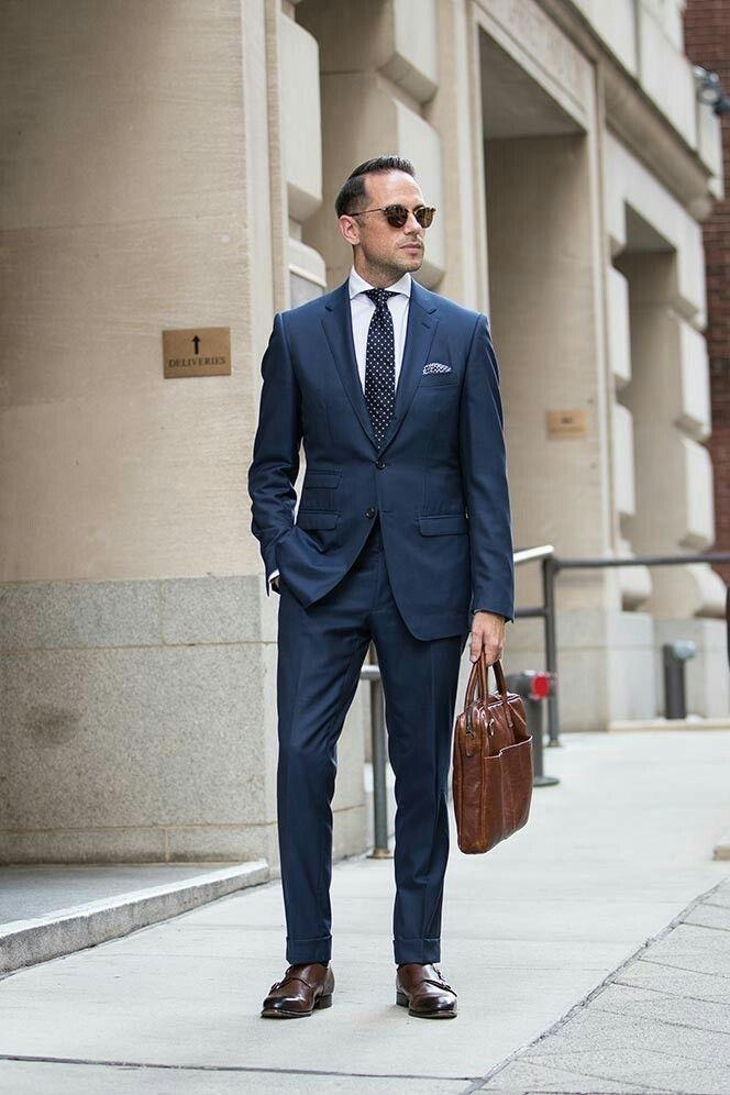 9ebee0b0ebb6 Top 5 Places to Buy Custom Suits Online   Herren-Outfit für Bewerbungen   Herren  outfit, Blauer anzug und Männer mode