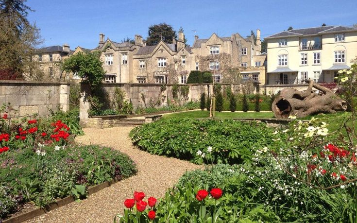 The best Bath hotels with parking  http://www.telegraph.co.uk/travel/destinations/europe/united-kingdom/england/somerset/bath/articles/the-best-bath-hotels-with-parking/