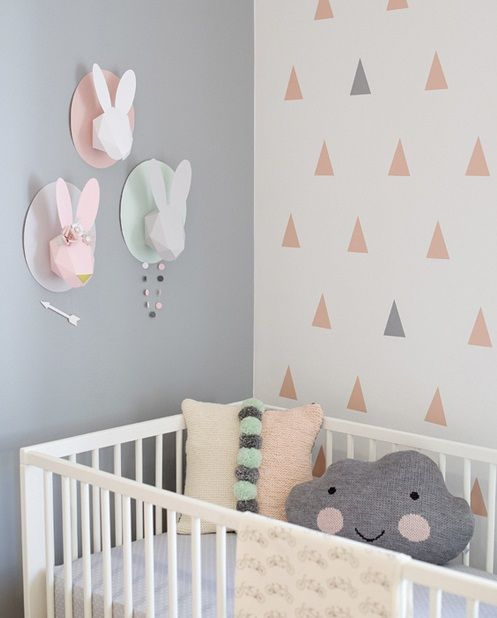Decoración infantil, conejos de papel http://www.mamidecora.com/habitaciones-infantiles-decoradas-con-conejos.html