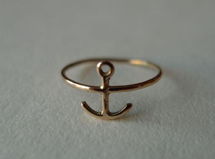 Anchor top finger ring, 14 ct gold. By Orri Finn design.