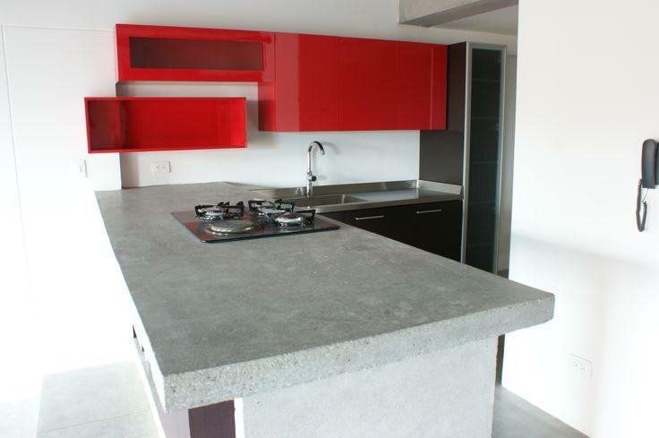 Cocina roja calle 5a mes n en concreto para la barra for Cocinas en cemento