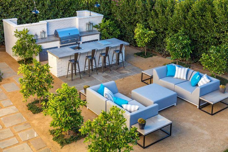 Luxurious New East Coast Traditional On Riviera Rim 687 Amalfi Drive Pacific Palisades, CA 90272