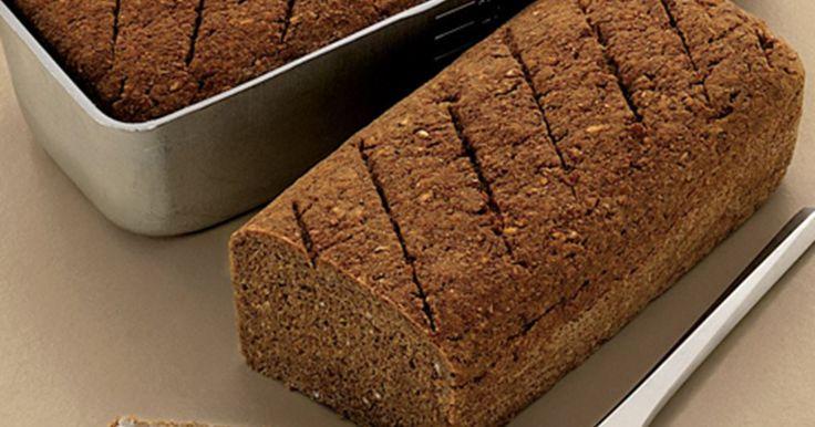 Kunne du tænke dig hjemmelavet rugbrød, men har hverken tid eller surdej? Så prøv denne simple opskrift, og opdag hvor nemt det er!