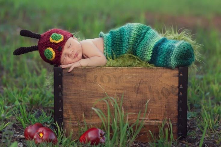 Cutest thing ever!Hungrycaterpillar, Newborns Baby Photos, Newborns Photos, The Hungry Caterpillar, Baby Caterpillar, Baby Photos Shoots, Newborns Pics, Newborns Photography, Children Book