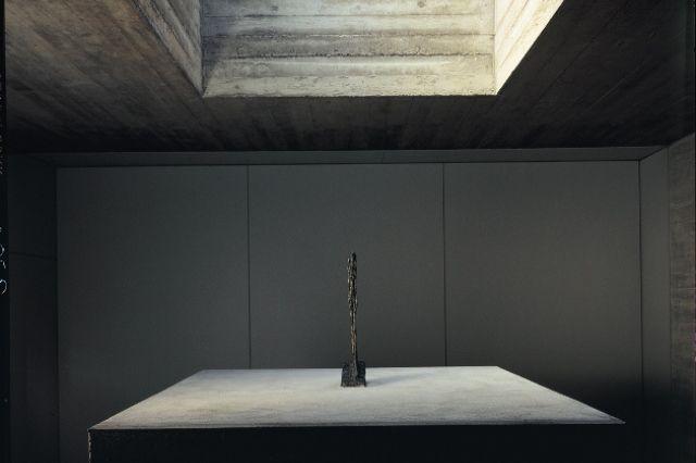 Alberto #Giacometti: «Stehende», 1960. Bronze (placed 1963). // Alberto Giacometti: «Stehende», 1960. Bronze (aufgestellt 1963).