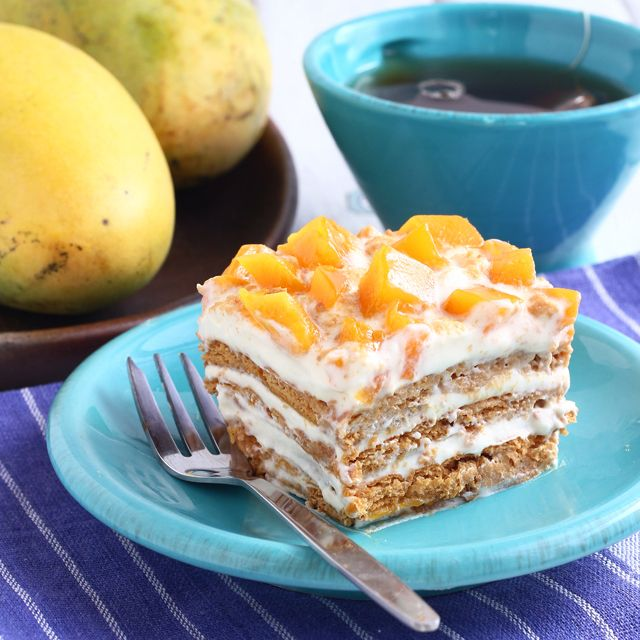 Mango float could be the easiest, delicious no-bake dessert you could ever make. Only needs 4 ingredients too! Try it now!