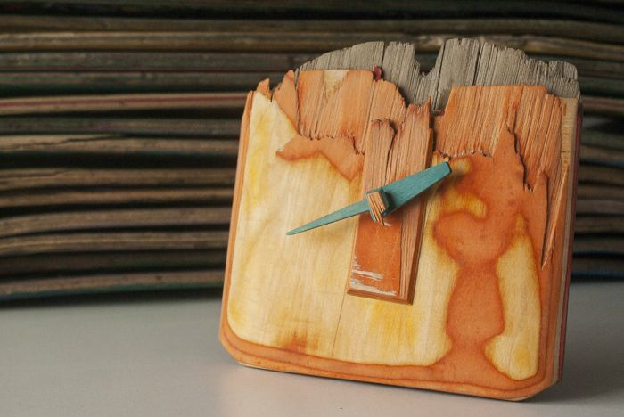 Clock made out of a recycled skateboard by Bewise