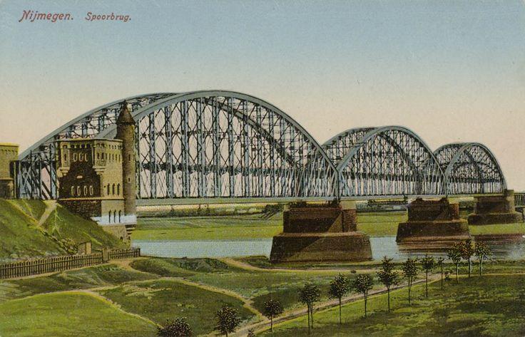 Nijmegen Spoorbrug Ingekleurd