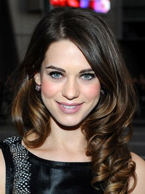Lyndsy Fonseca has the most beautiful brunette hair!