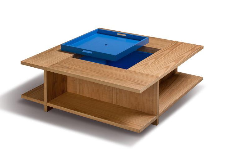 BOOK. Tavolino porta libri in legno di ciliegio con ampio vano centrale, colorato o naturale, coperto da un vassoio estraibile con maniglie. Design by MAAM