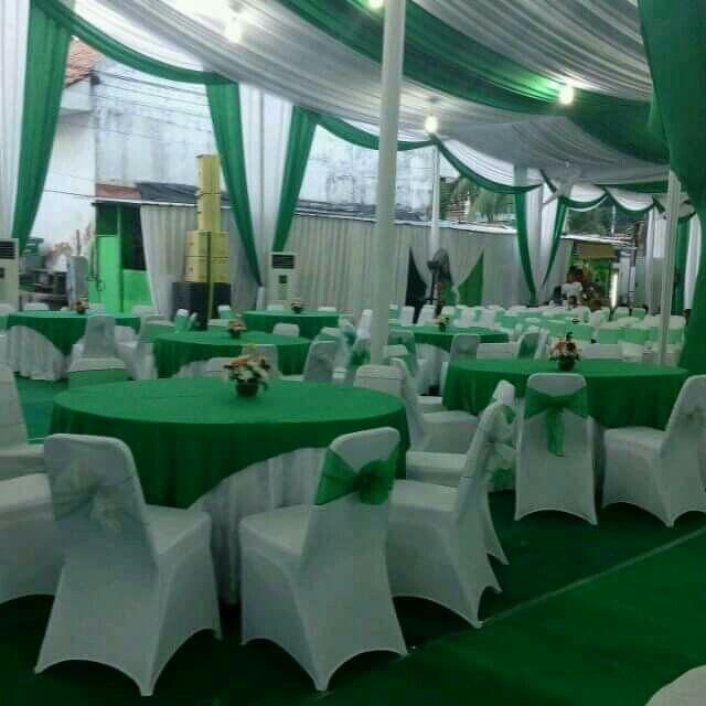 Cover kursi futura ketat putih pakai pita selendang. hp 081317171058 BBM 5bacf321 www.penjahitgroup.com