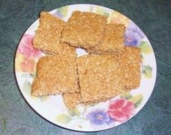 Scottish Oatcakes: This seems like a good alternative to oatmeal, or even bread and/or crackers, depending on which version of the recipe you use. I have to try this!
