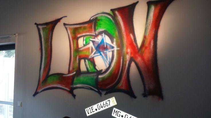 Coole Wandgestaltung Jugendzimmer : Graffiti ganz legal Coole Wandgestaltung in einem Jugendzimmer by