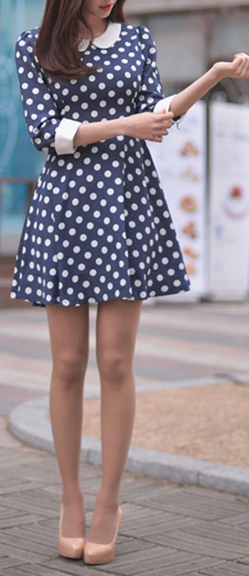 61d4098e29 Azul marino y bolitas blancas