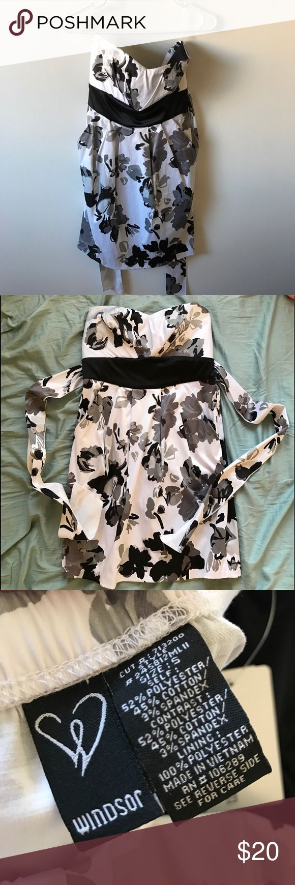 Black and white strapless dress Black and white strapless semi formal dress from Windsor. NEW and never worn. WINDSOR Dresses Strapless