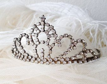 Vintage sparkly rhinestone tiara romantic bridal crown bridal hairpiece romantic wedding beauty pageant prom headpiece shabby display prop